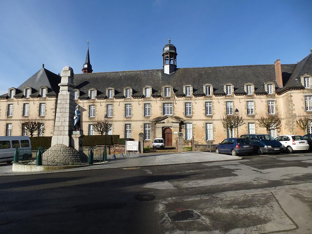 File:l'abbaye De St Meen Le Grand - Panoramio.jpg ... dedans Piscine Saint Meen Le Grand