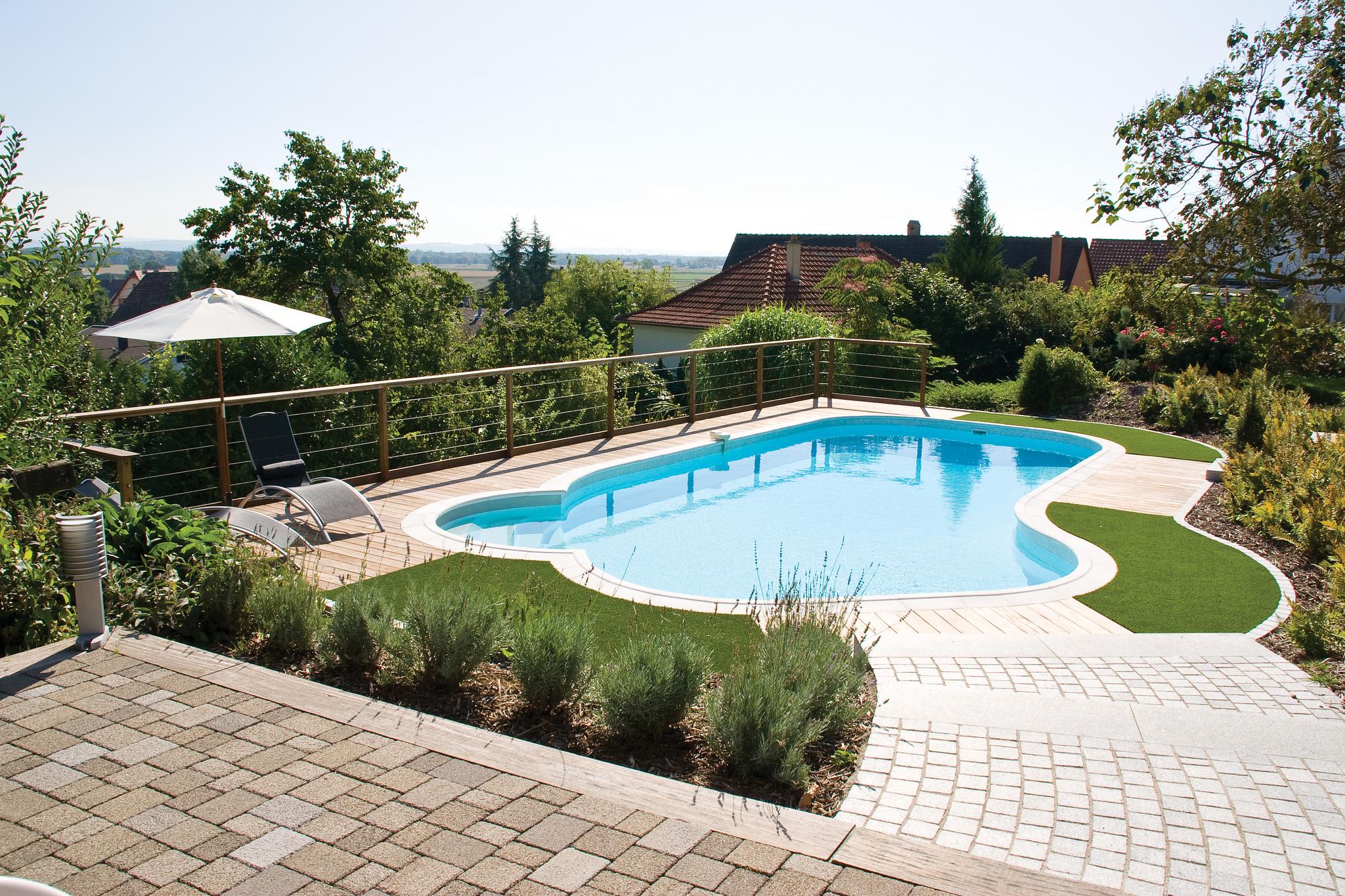 File:piscine-Valérie.jpg - Wikimedia Commons destiné Piscine Originale