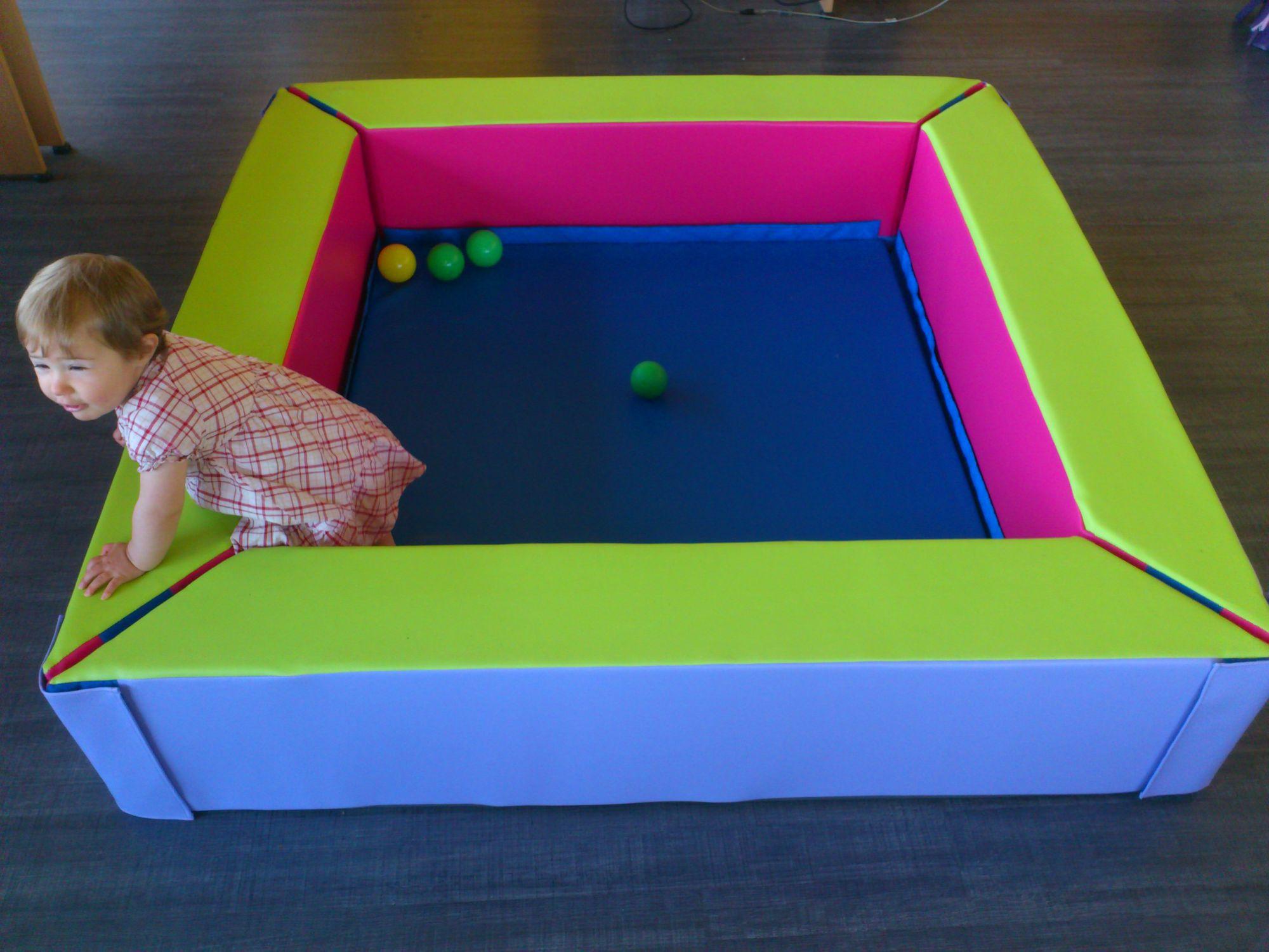 Foam For Motricity Ball Pool - Piscine À Balle Tapis De Fond ... intérieur Piscine A Balle En Mousse