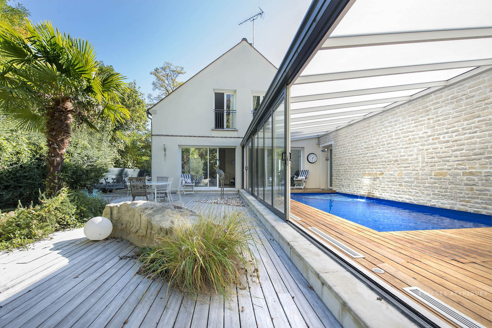 Fontainebleau, Veneux Les Sablons : Architect Villa With ... serapportantà Piscine De Moret Sur Loing