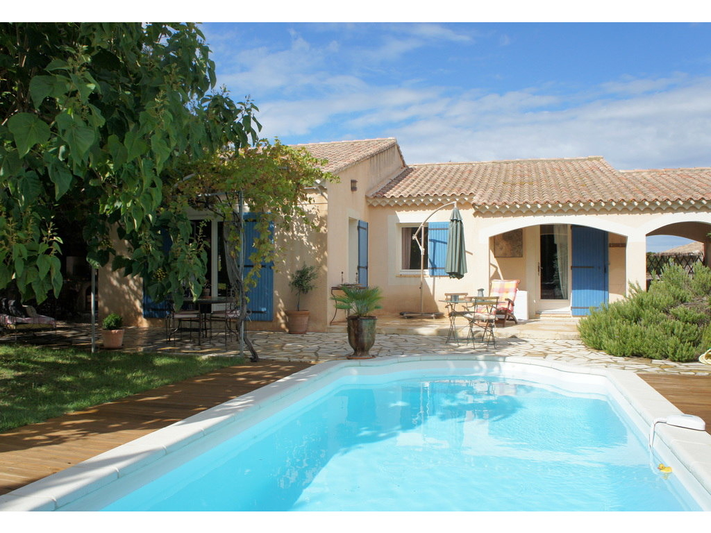 For Rent House 6 Persons Roquemaure Saintjoseph Provence Romaine destiné Location Maison Avec Piscine France