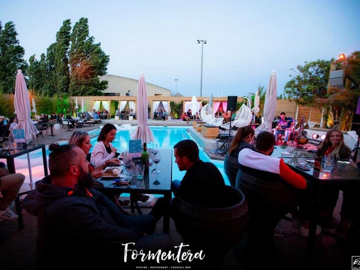 Formentera- (Bar/piscine) (Restaurants) tout Piscine Gruissan