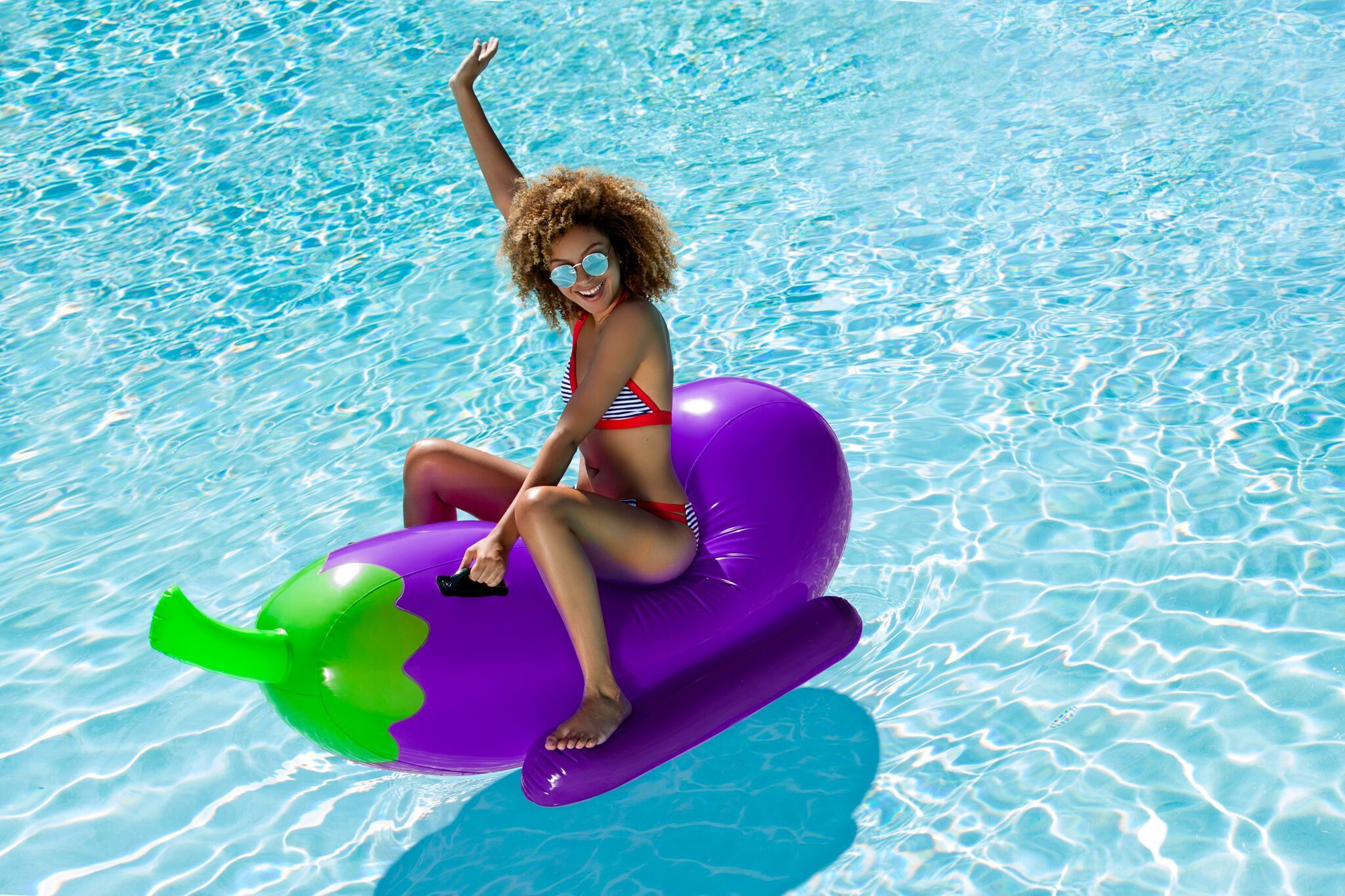 Giant Eggplant Rider Emoji Pool Float | Bouée Piscine ... concernant Animaux Gonflable Pour Piscine