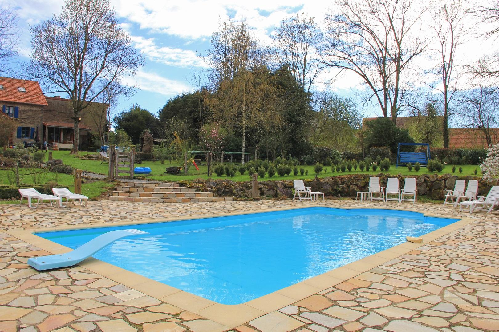 Gîte N°23G1288 Villa Félinas À Ahun - Gîtes De France Creuse pour Piscine De Loos