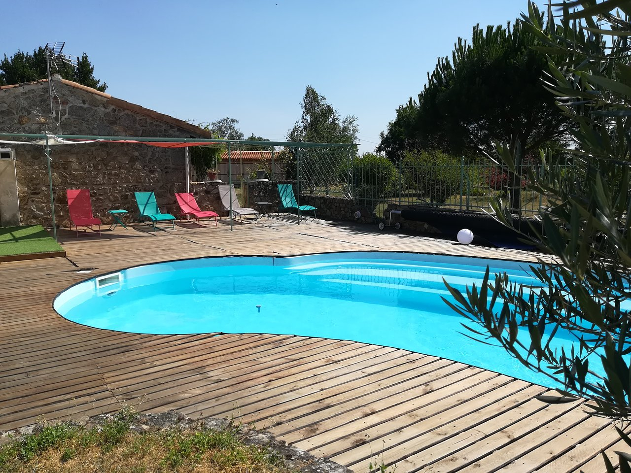 Gite Saint Claude - Prices & B&b Reviews (Malleval, France ... dedans Piscine De Givors