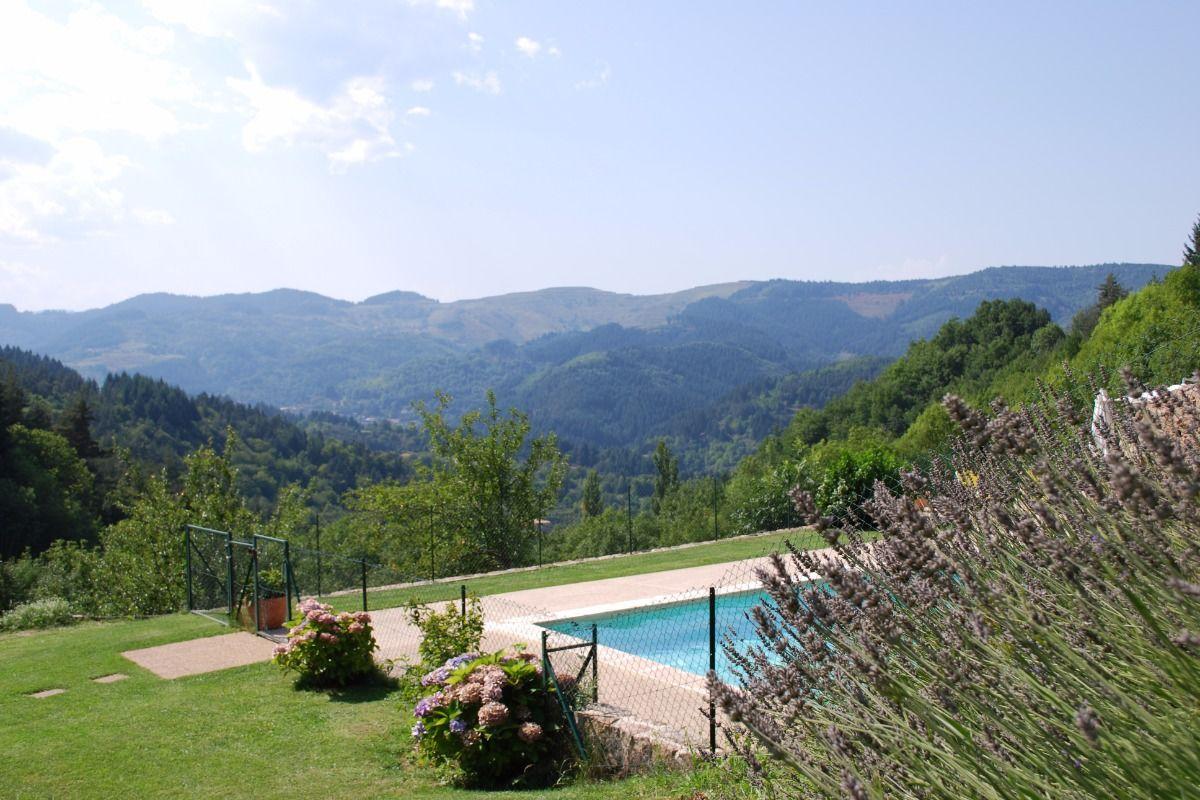 Grande Maison - Gîte Les Combes : Hébergements « Accueil ... encequiconcerne Vacances En Ardèche Avec Piscine