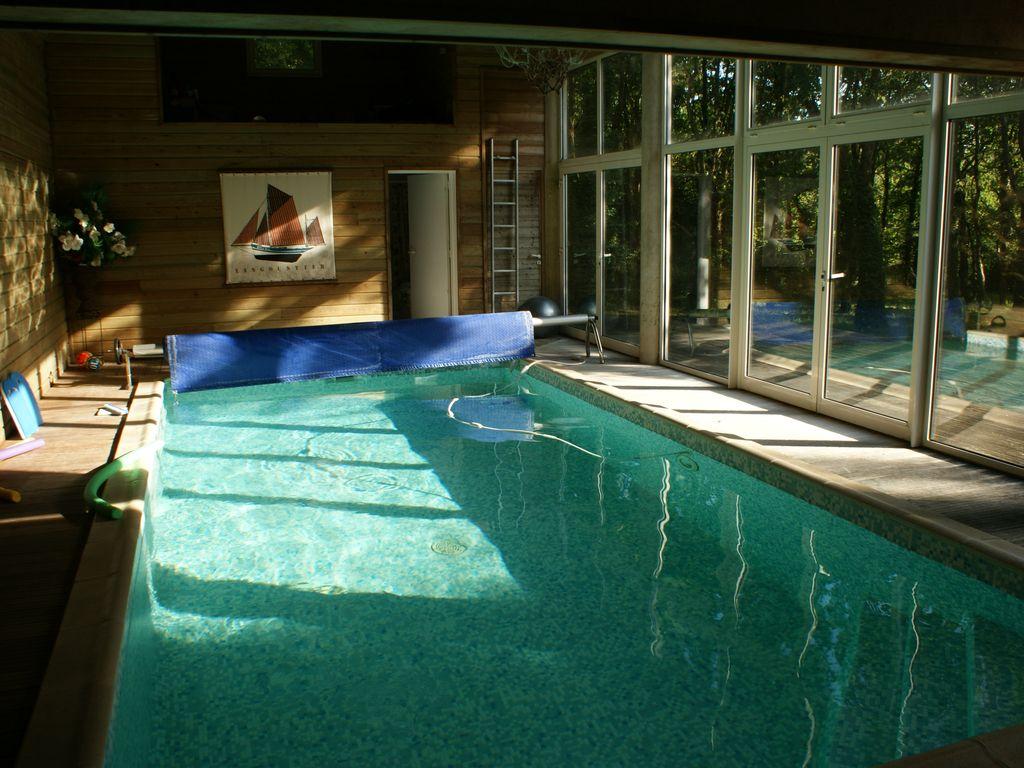 Grande Villa Avec Piscine Intérieure À 10 Mn Des Plages De Sud Bretagne -  Guérande intérieur Location Maison Avec Piscine France