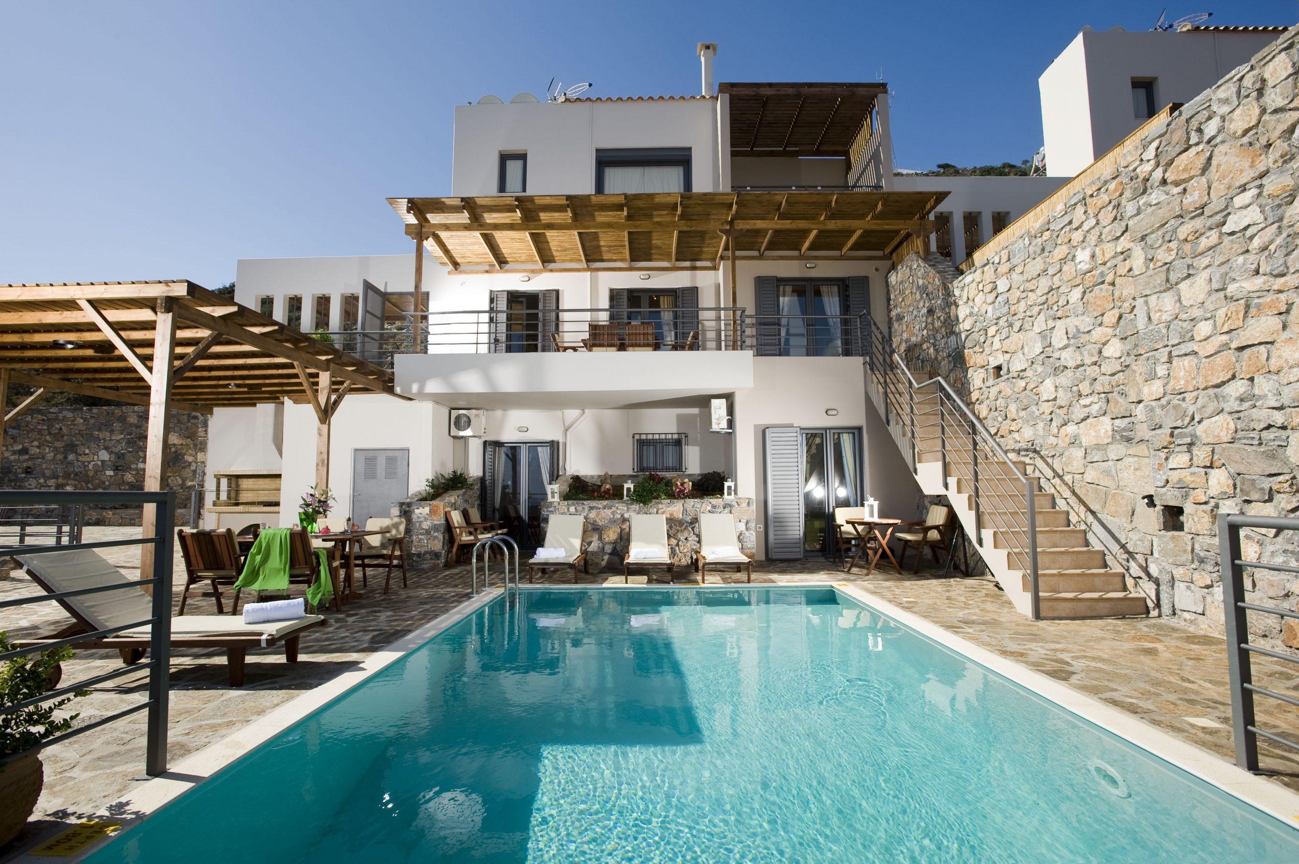 Grece Location Vacances Villa De Luxe 3 Chambres En Crete Face À La Mer  Avec Piscine Privée Dans Le Village De Elounda (3) tout Location Maison Piscine Privée Dernière Minute