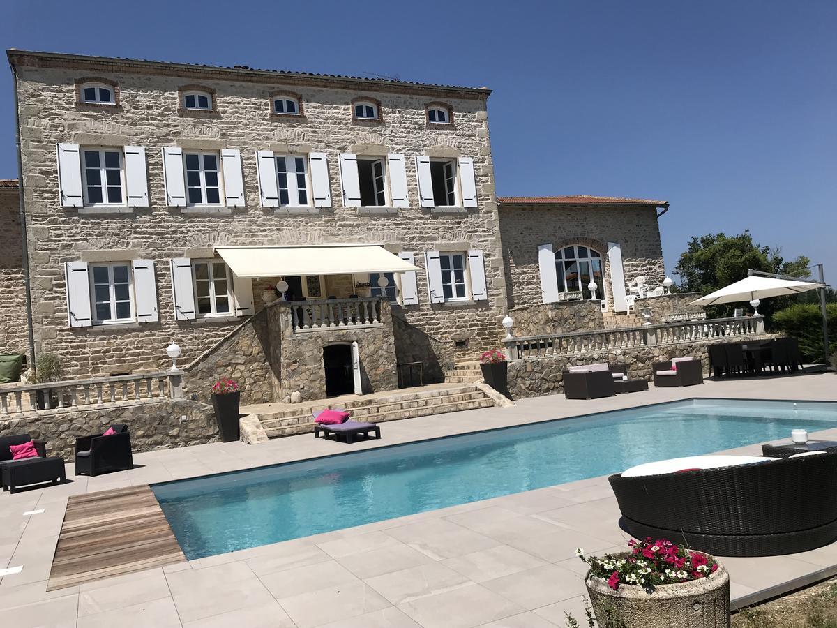 Guesthouse Domaine Du Bouchat, Chaussan, France - Booking serapportantà Piscine Mornant