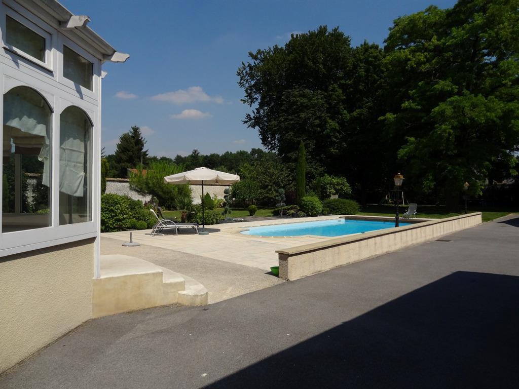 Guesthouse Le Pavillon De Nathalie, Isles-Sur-Suippe, France ... pour Piscine Rethel