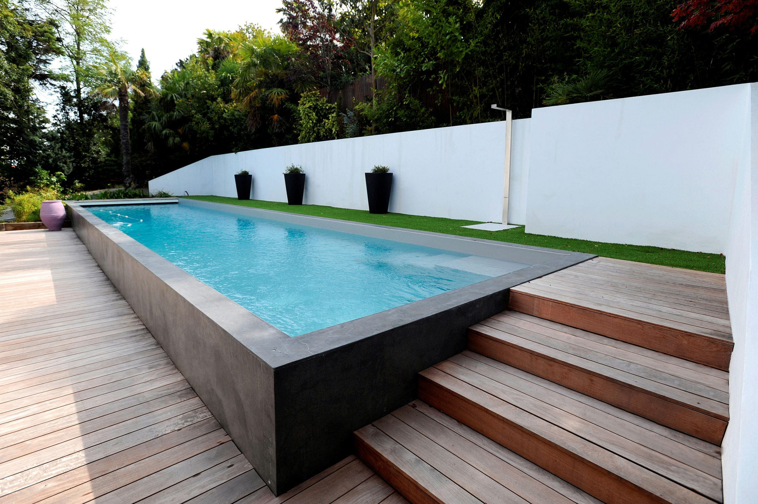 Half Burried Pool & Designer Furniture | Architonic avec Piscine Semi Enterrée Beton
