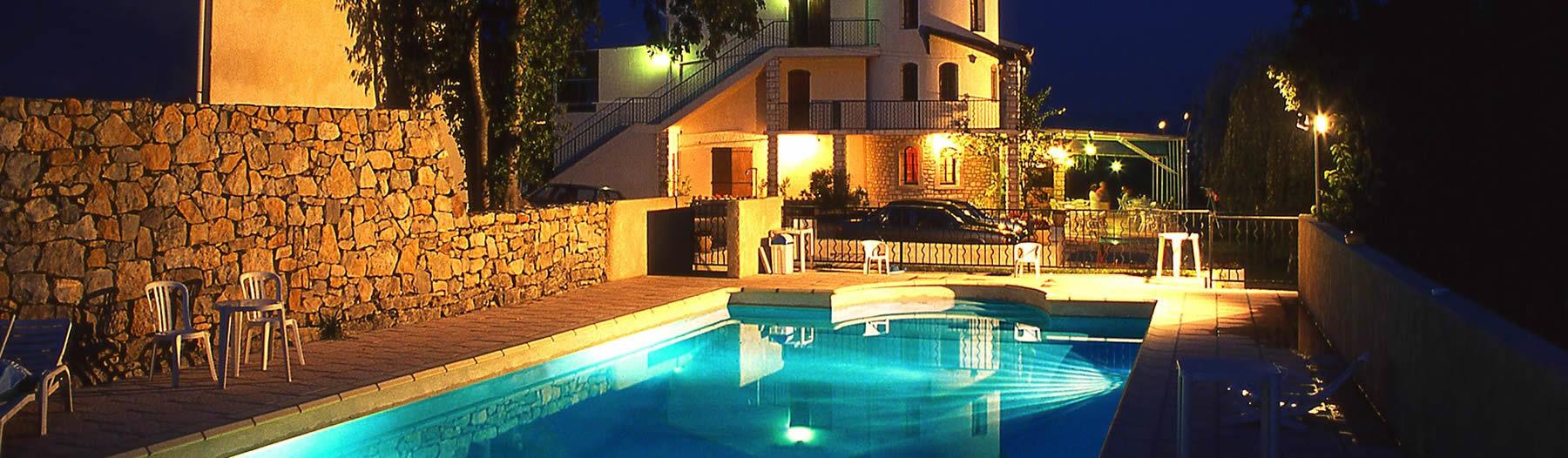 Hotel 3 Etoiles Ardeche : Réserver Un Hôtel 3 Étoiles En ... intérieur Hotel Ardeche Avec Piscine