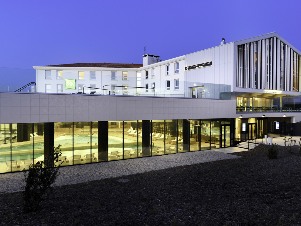Hôtel À Chatelaillon Plage - Ibis Styles La Rochelle ... concernant Piscine Chatelaillon