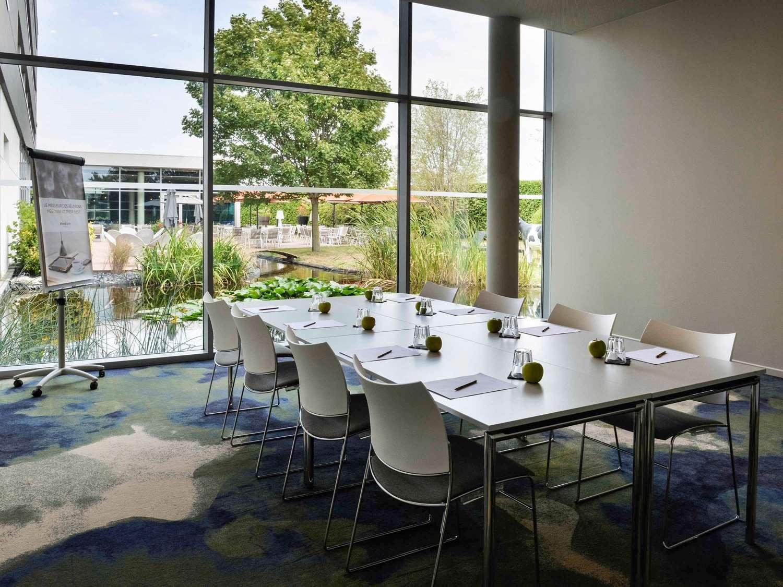 Hôtel À Hières-Sur-Amby Avec La Garantie De Prix Hrs pour St Vulbas Piscine