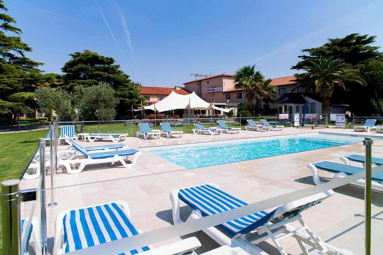 Hôtel Ariane (Fransa Fos-Sur-Mer) - Booking pour Piscine De L Ariane