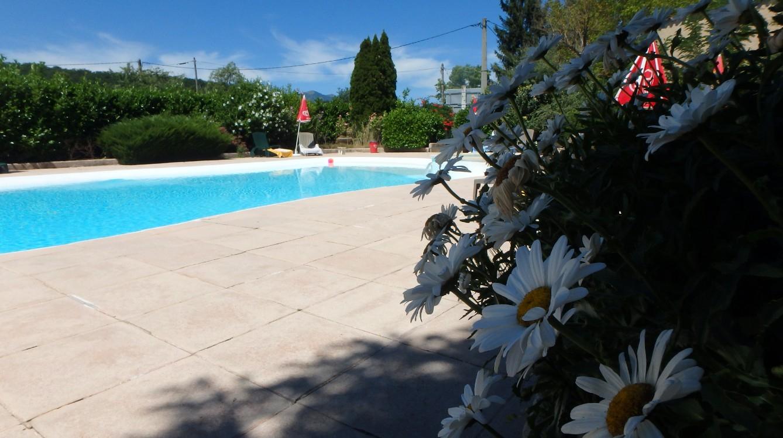 Hôtel Avec Piscine À Sisteron Pour Profiter De Vos Vacances pour Piscine Sisteron