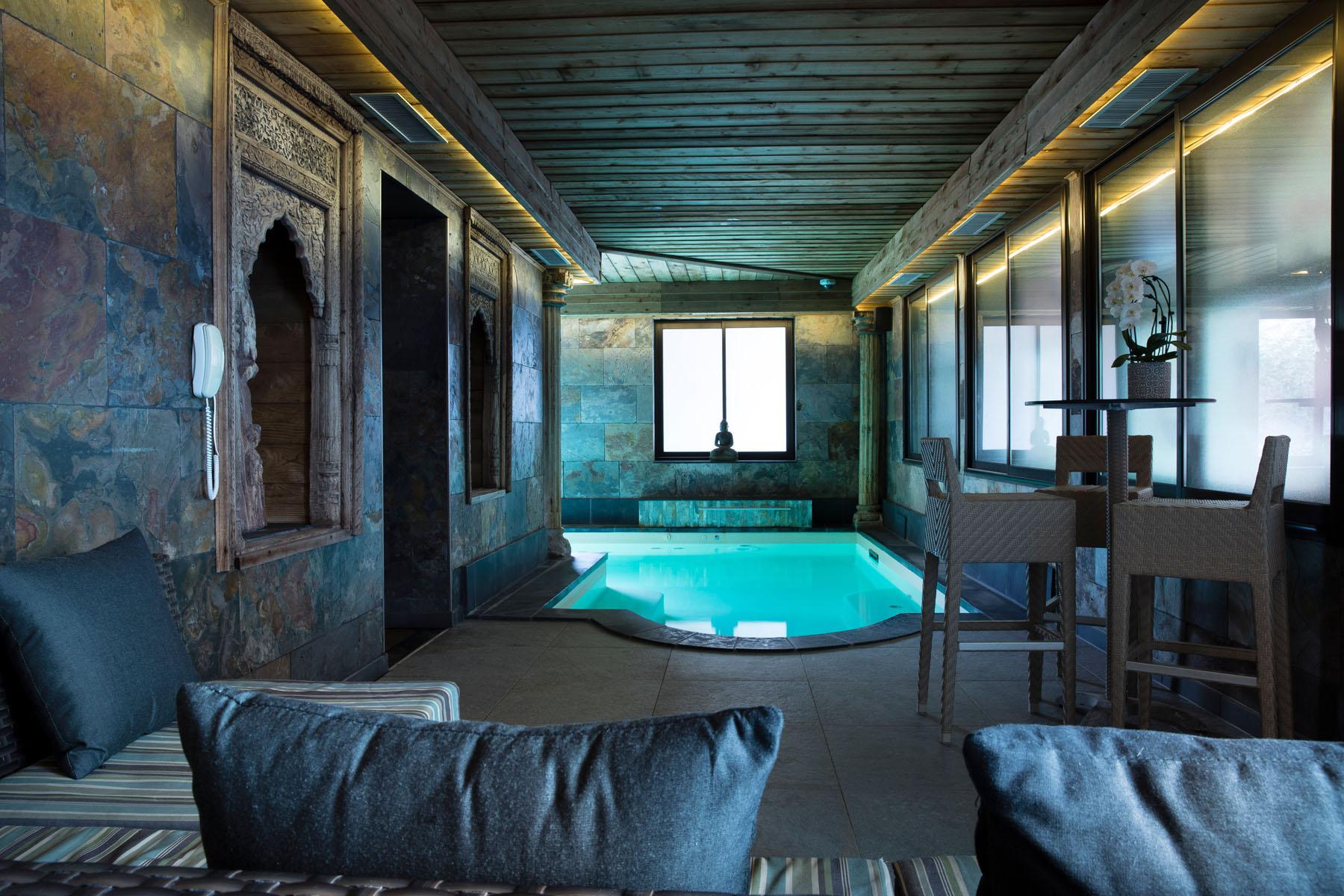 Hôtel Avec Piscine En Normandie | Hôtel Spa Le Lion D'or À ... tout Hotel Avec Piscine Normandie