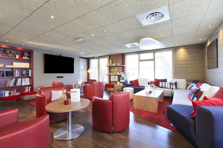Hôtel Campanile Paris Ouest - Nanterre - Abc Salles concernant Piscine Du Palais Des Sports À Nanterre Nanterre