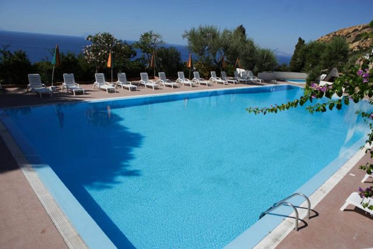 Hotel Capo Alaua (İtalya Gioiosa Marea) - Booking dedans Bache Sous Piscine