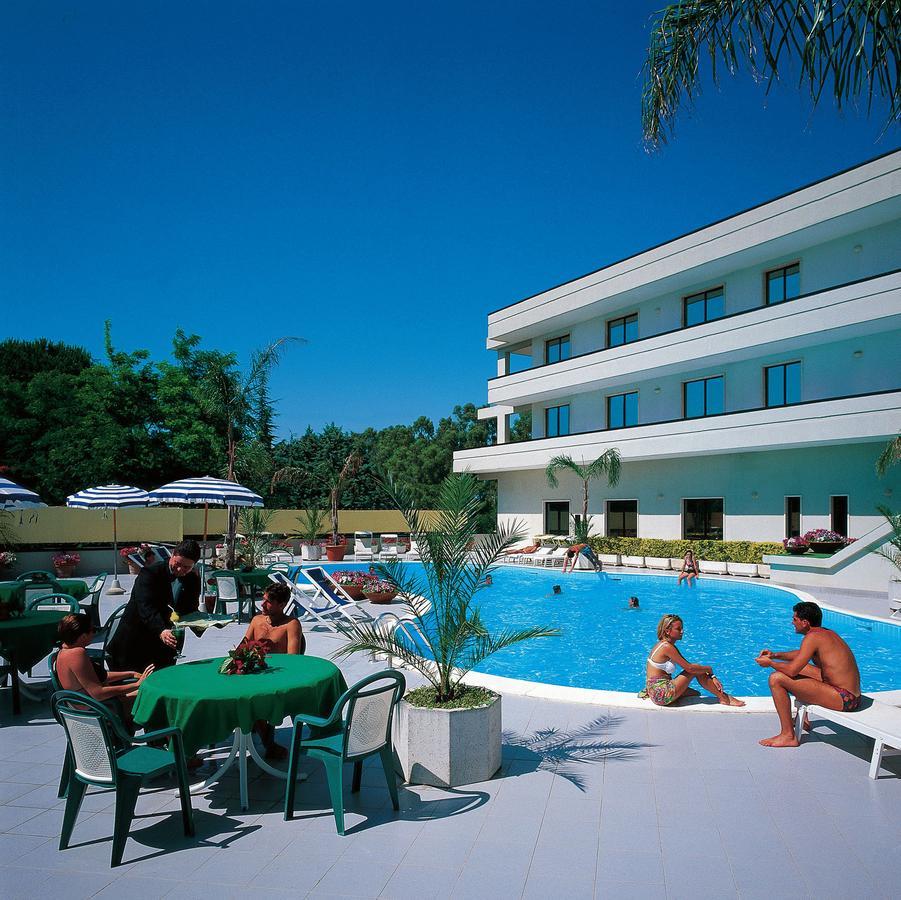Hotel Clorinda (İtalya Paestum) - Booking intérieur Piscine Du Lido
