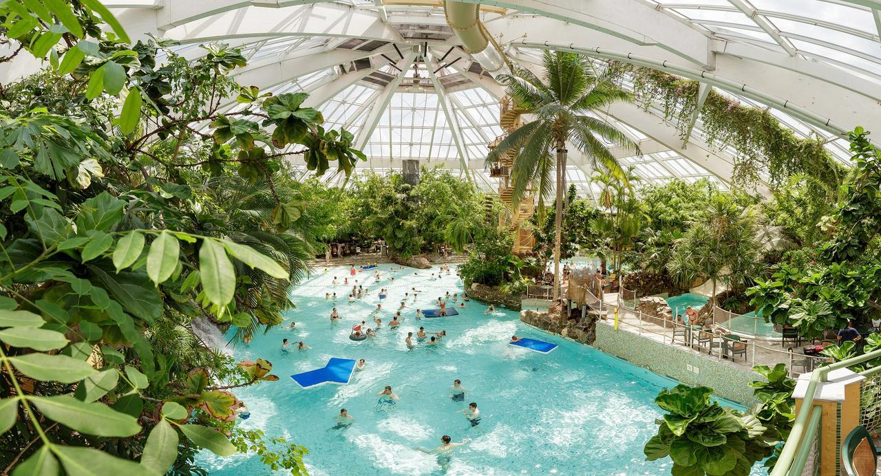 Hotel De Vossemeren, Lommel, Belgium - Booking dedans Piscine Center Parc