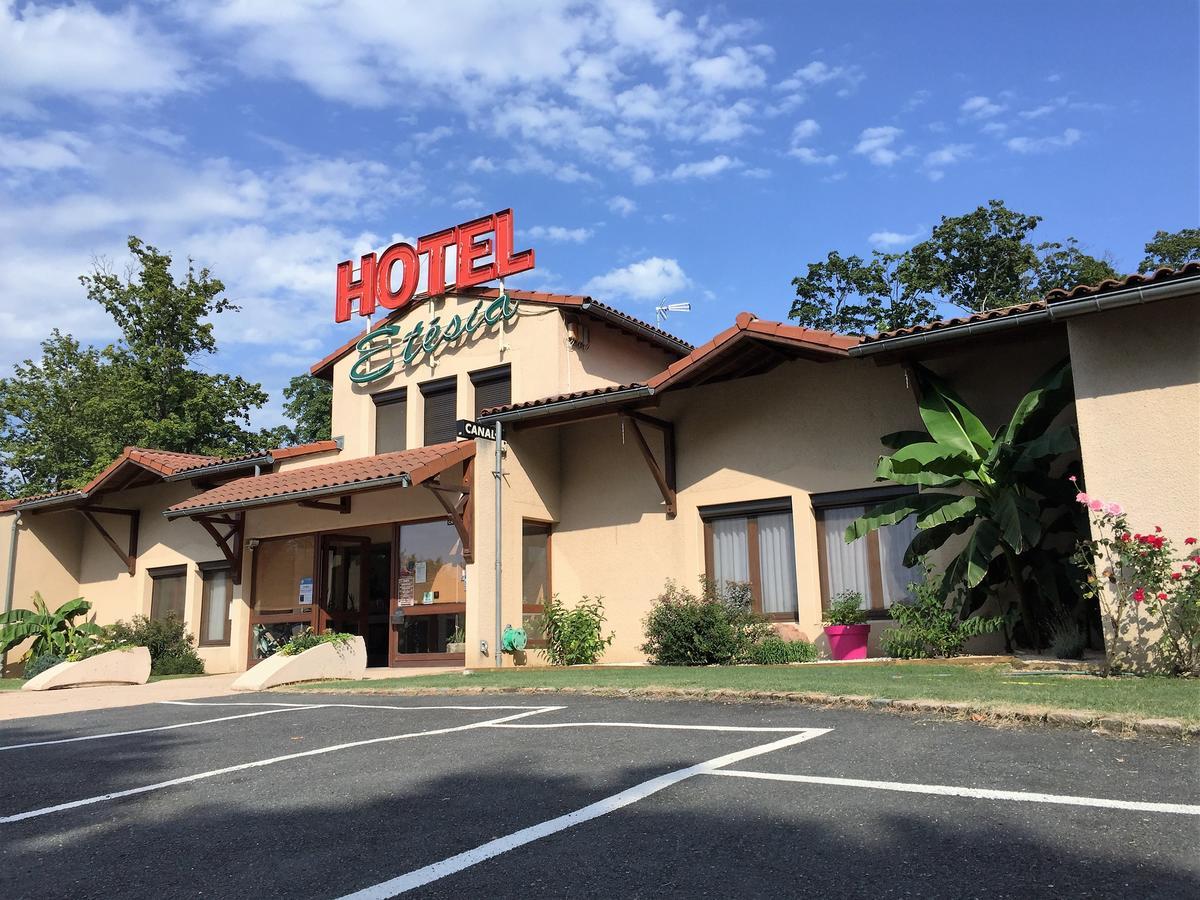 Hotel Etesia (Fransa Feurs) - Booking pour Piscine De Feurs