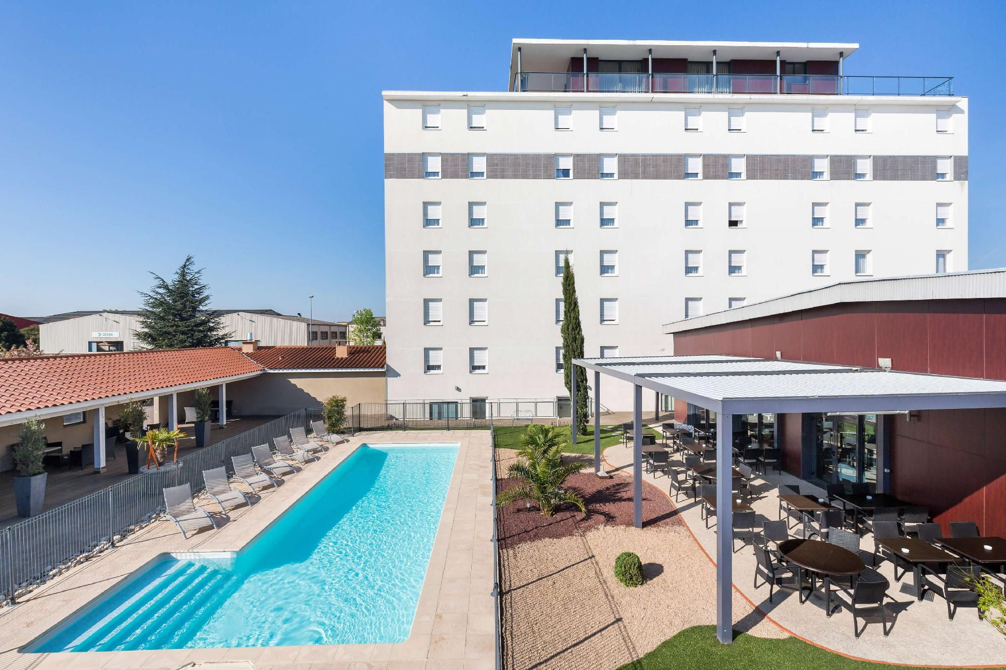 Hotel Gatsby By Happyculture In Chassieu - Room Deals ... intérieur Piscine Chassieu