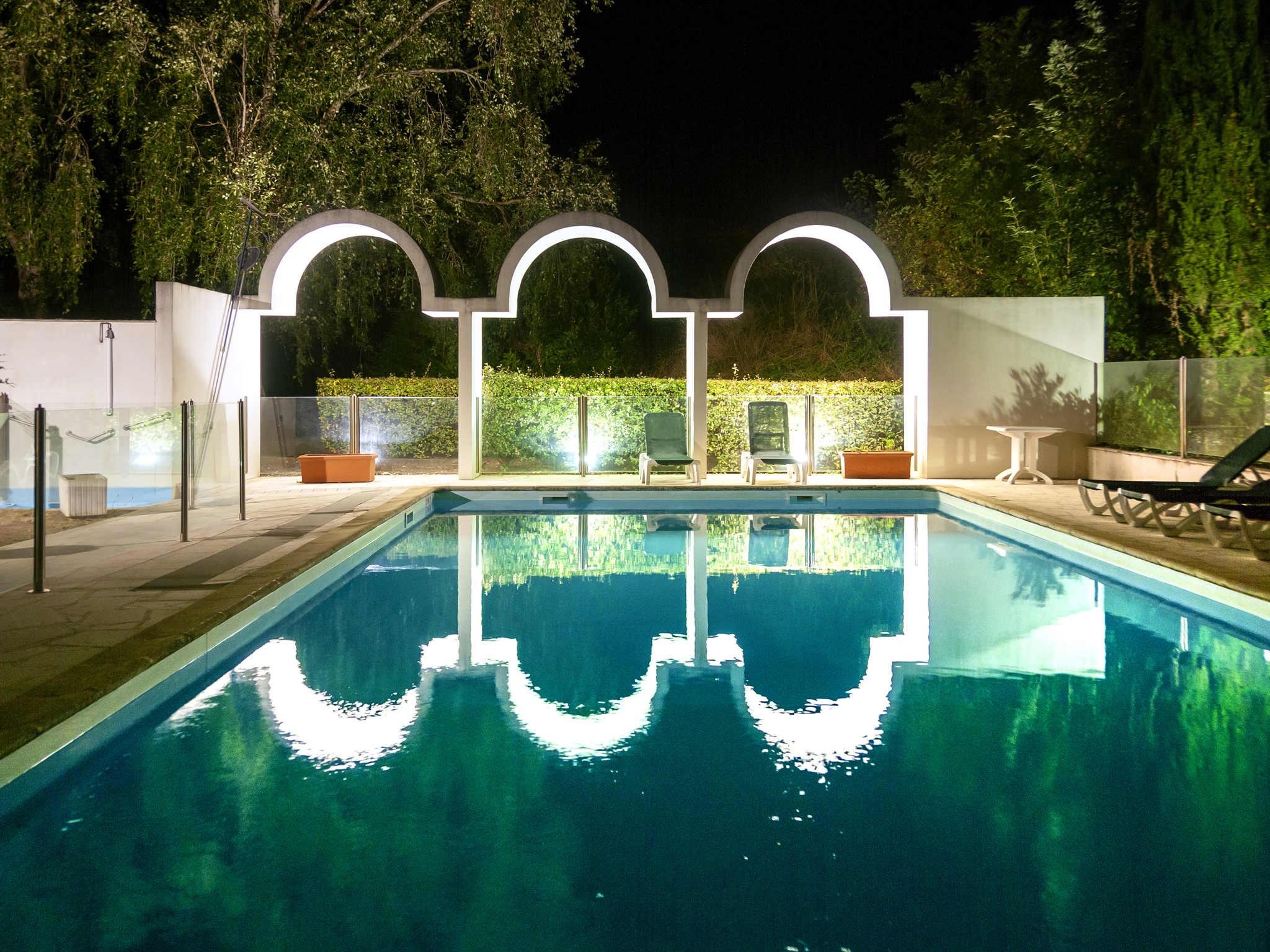 Hotel In Chateaubernard - Ibis Styles Cognac - All pour Piscine Cognac