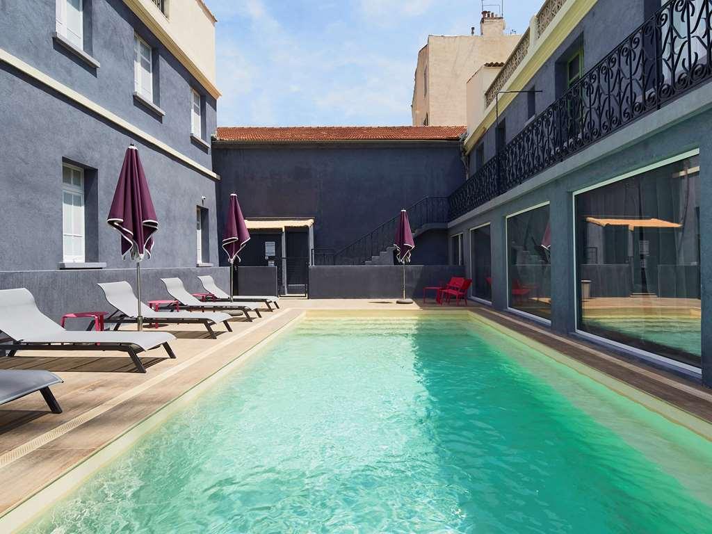 Hotel Kyriad Marseille Blancarde - Timone à Hotel Piscine Marseille
