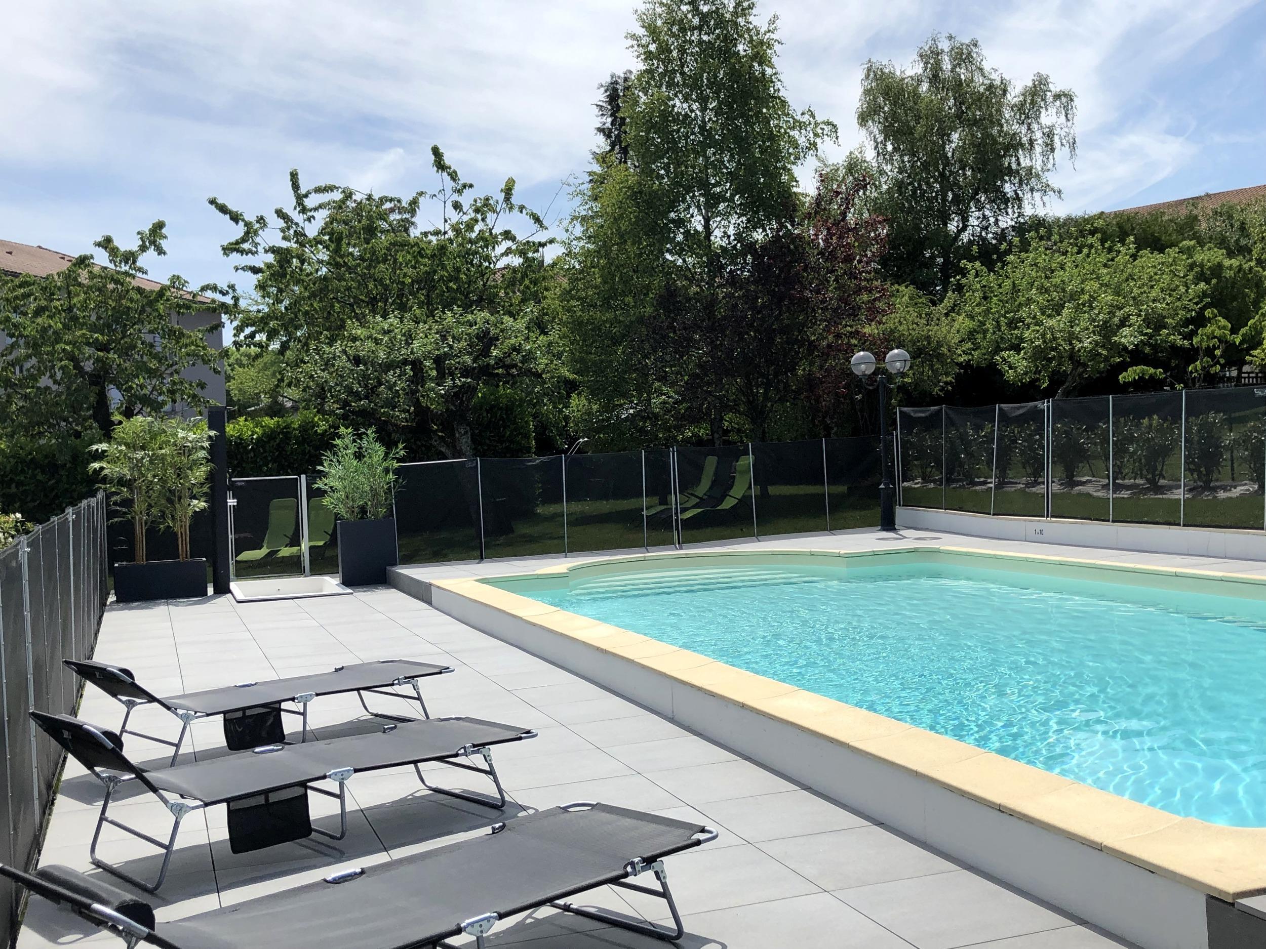 Hotel La Thomasse Aurillac pour Piscine Aurillac