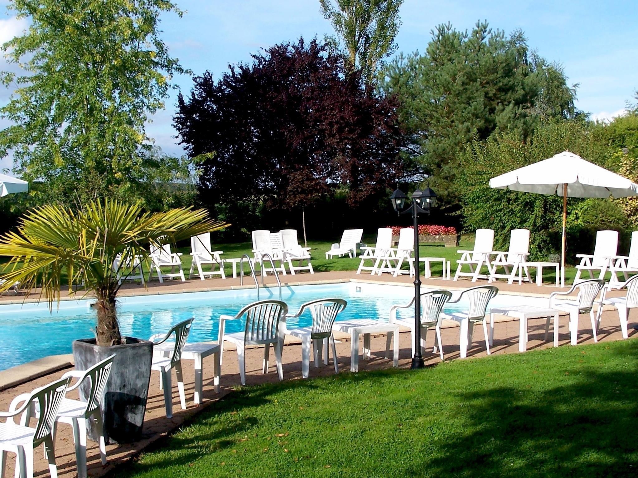 Hôtel Le Relais Fleuri Sauvigny Le Bois dedans Piscine Avallon
