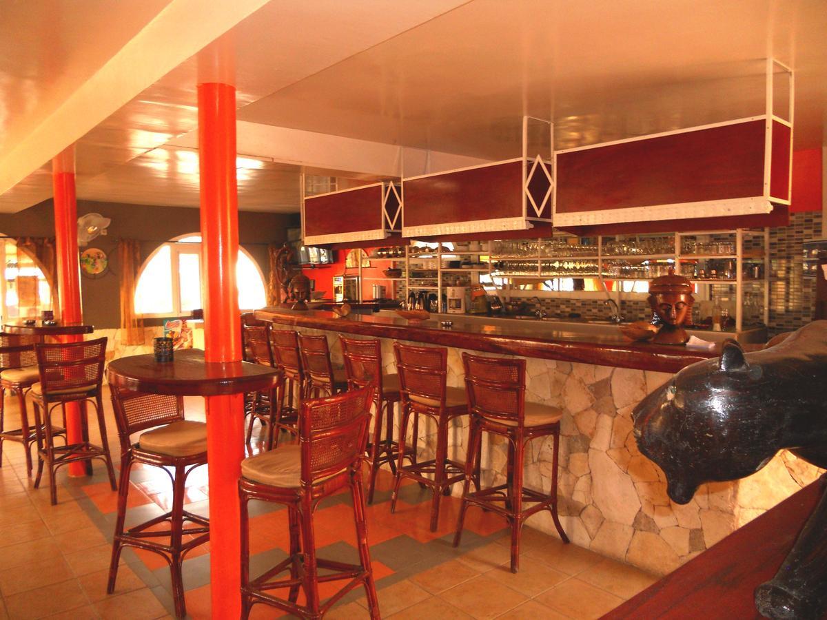 Hotel Les Flamboyants, Saly Portudal, Senegal - Booking avec 158 Coté Piscine