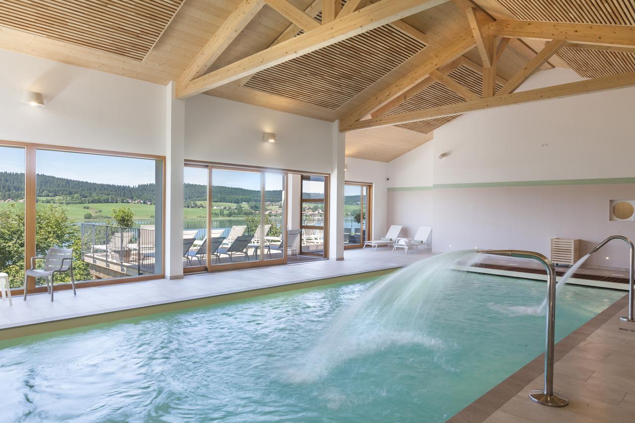 Hotel Spa Les Rives Sauvages, Malbuisson, France - Booking intérieur Piscine Malbuisson