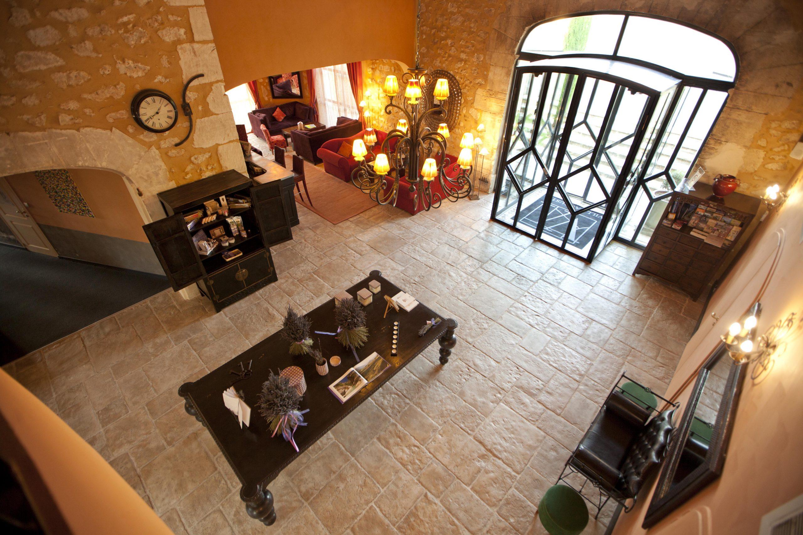Hôtel Villa Augusta À Saint-Paul-Trois-Châteaux - Hôtel ... destiné Piscine Saint Paul Trois Chateaux