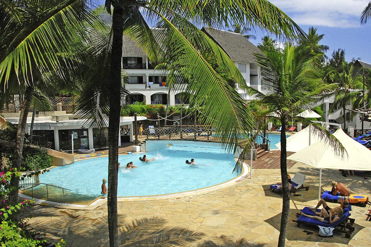 Hôtel Voyager Beach Resort **** Dans Vos Agences De Voyages ... encequiconcerne Piscine Machecoul