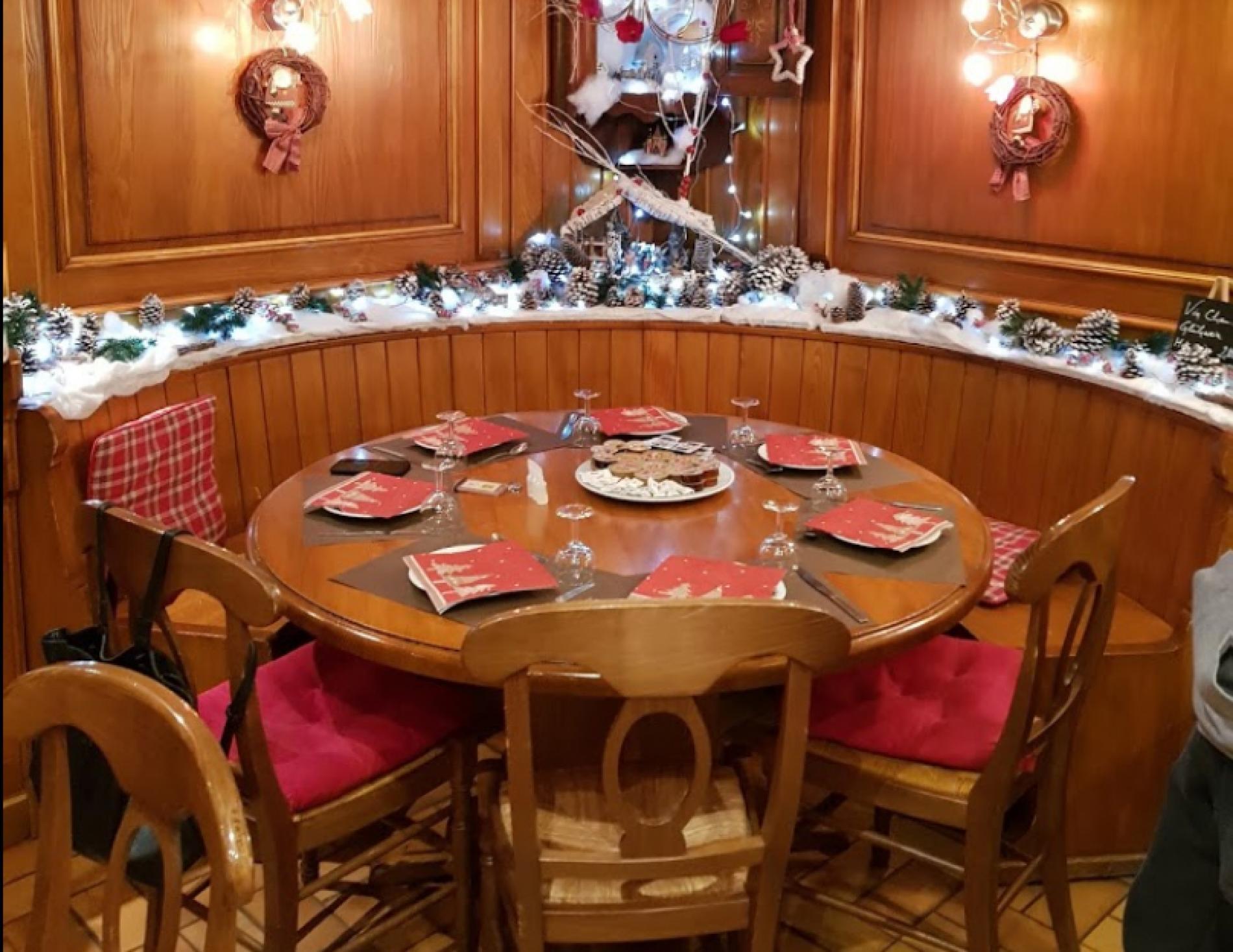 Hotel With Tea Room In Obernai In Alsace serapportantà Piscine Bassemberg