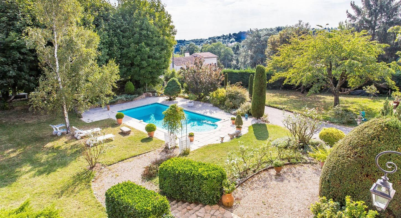 House / Villa Sainte-Foy-Lès-Lyon Ouest Lyonnais 350 M² tout Piscine Ste Foy Les Lyon
