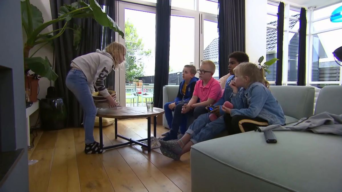 Https://belgiumtrends.web.tv/video/nieuw-Tvprogramma-Een ... tout Piscine Koksijde