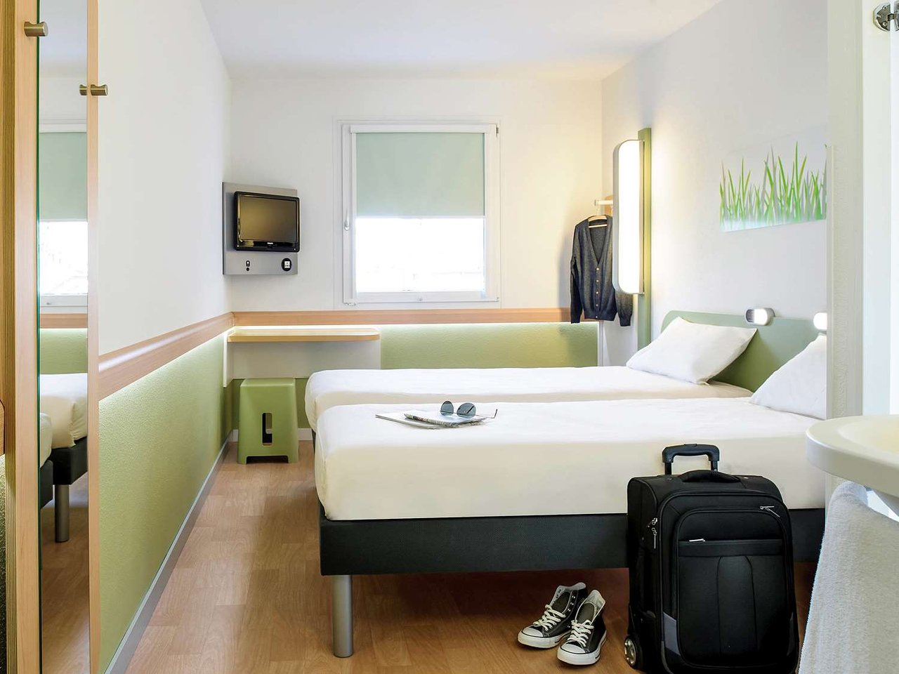 Ibis Budget Cannes Mougins - Prices & Hotel Reviews (France ... encequiconcerne Piscine Campelières