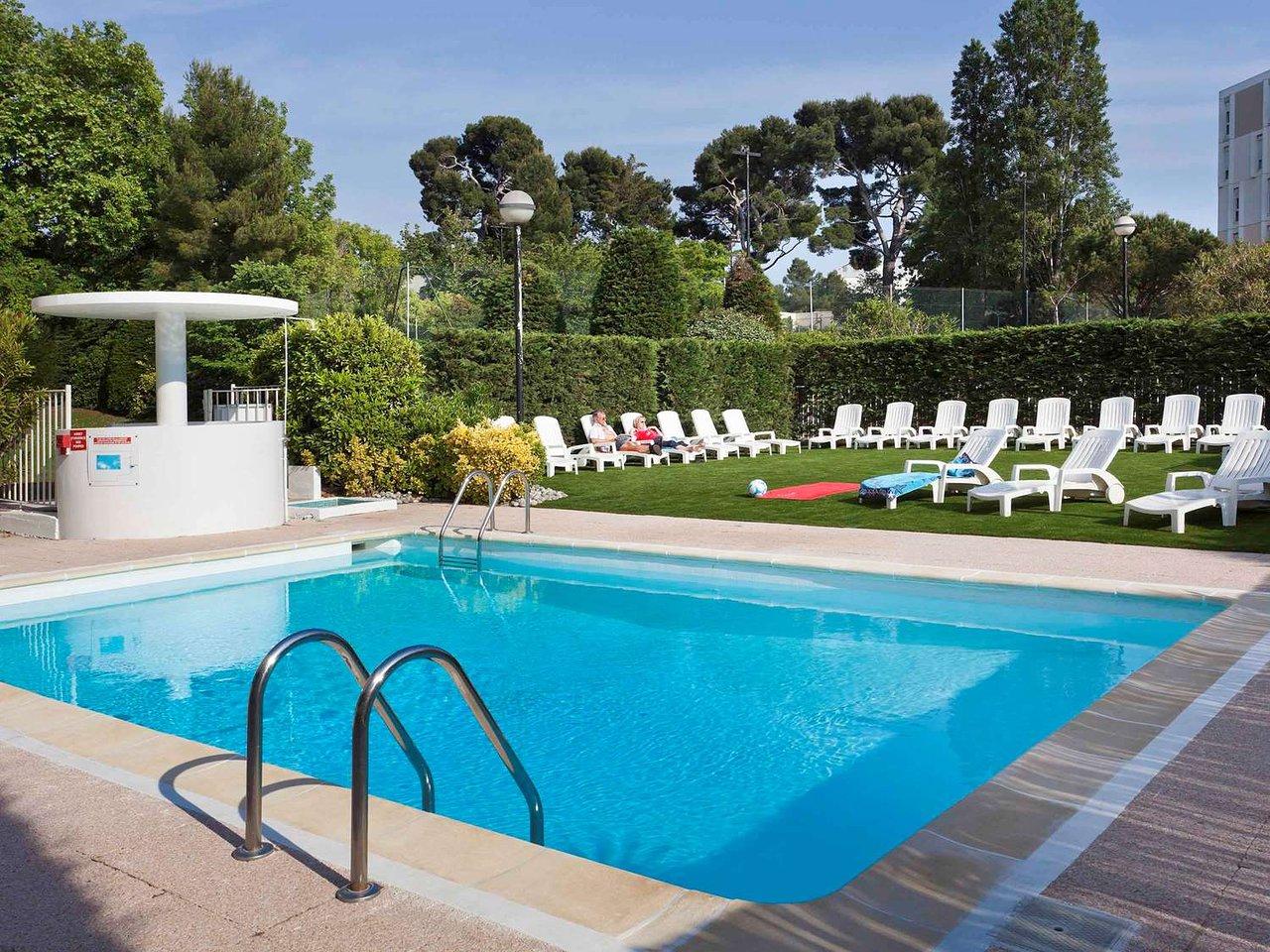 Ibis Marseille Bonneveine Calanques Plages Hotel : Tarifs ... intérieur Piscine Bonneveine