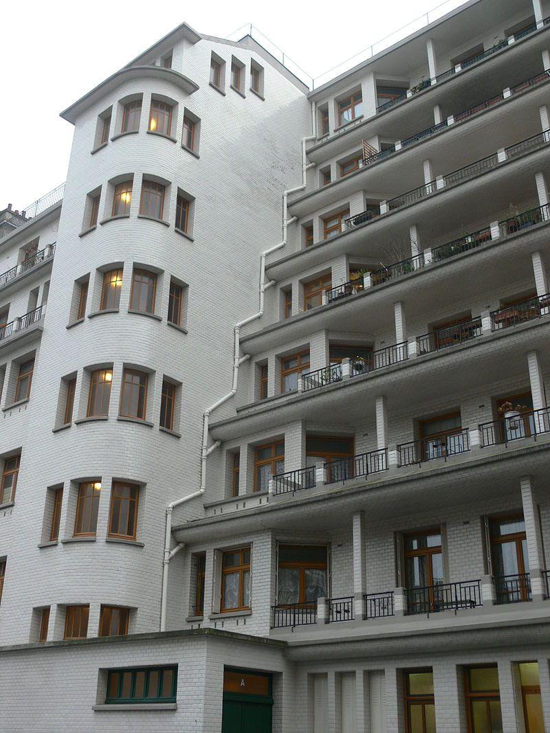 Immeuble Sauvage - Piscine Des Amiraux - Rue Des Amiraux ... dedans Piscine Des Amiraux