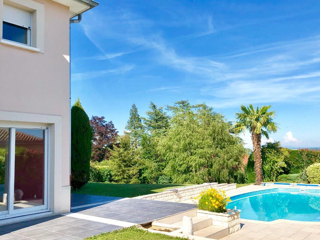 Immobilier Maison Brignais Au Calme A Brignais Superbe Villa ... concernant Piscine De Brignais