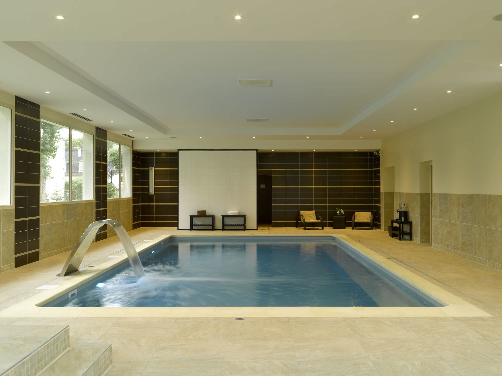 In-Ground Swimming Pool / Concrete / Indoor - Hotel Villard ... serapportantà Piscine Villard De Lans