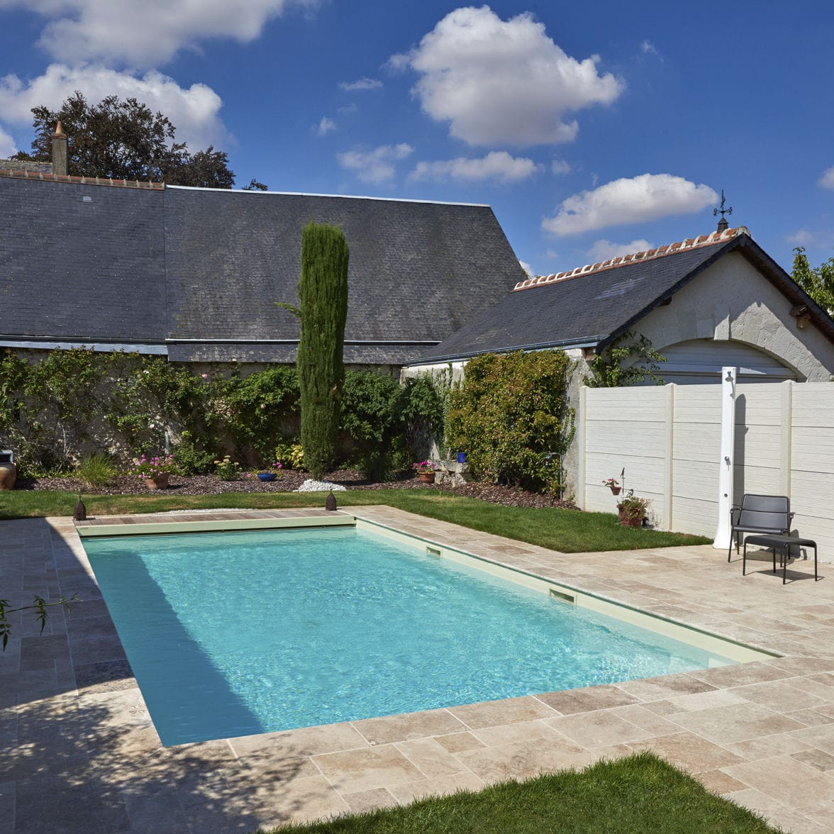 In-Ground Swimming Pool / Concrete / Outdoor - Blois ... encequiconcerne Piscine Blois
