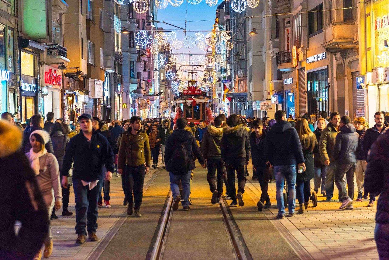 Istiklal Street (Istanbul) : 2020 Ce Qu'il Faut Savoir Pour ... intérieur Piscine Du Port Marchand