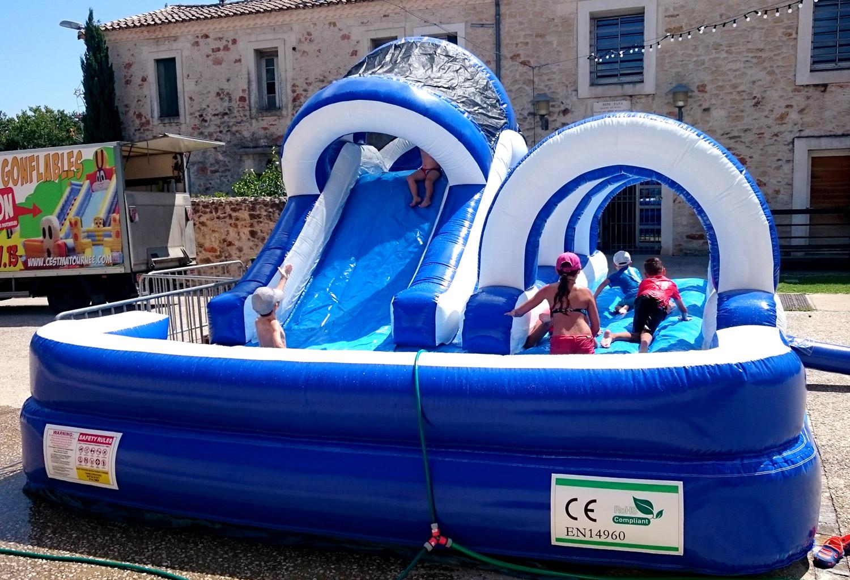 Jeu Aquatique Gonflable Toboggan-Piscine - Location De Jeux ... à Toboggan Piscine Gonflable