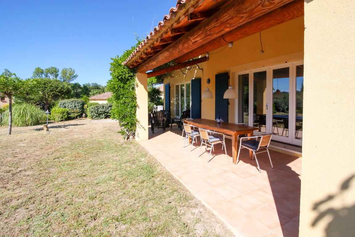 Jolie Maison Provençale - Avec Piscine Chauffée, House ... destiné Hotel Avec Piscine Ile De France