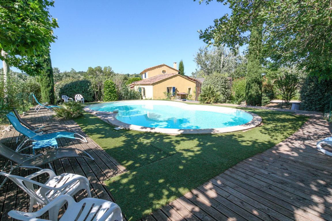 Jolie Maison Provençale - Avec Piscine Chauffée, House ... pour Hotel Avec Piscine Ile De France