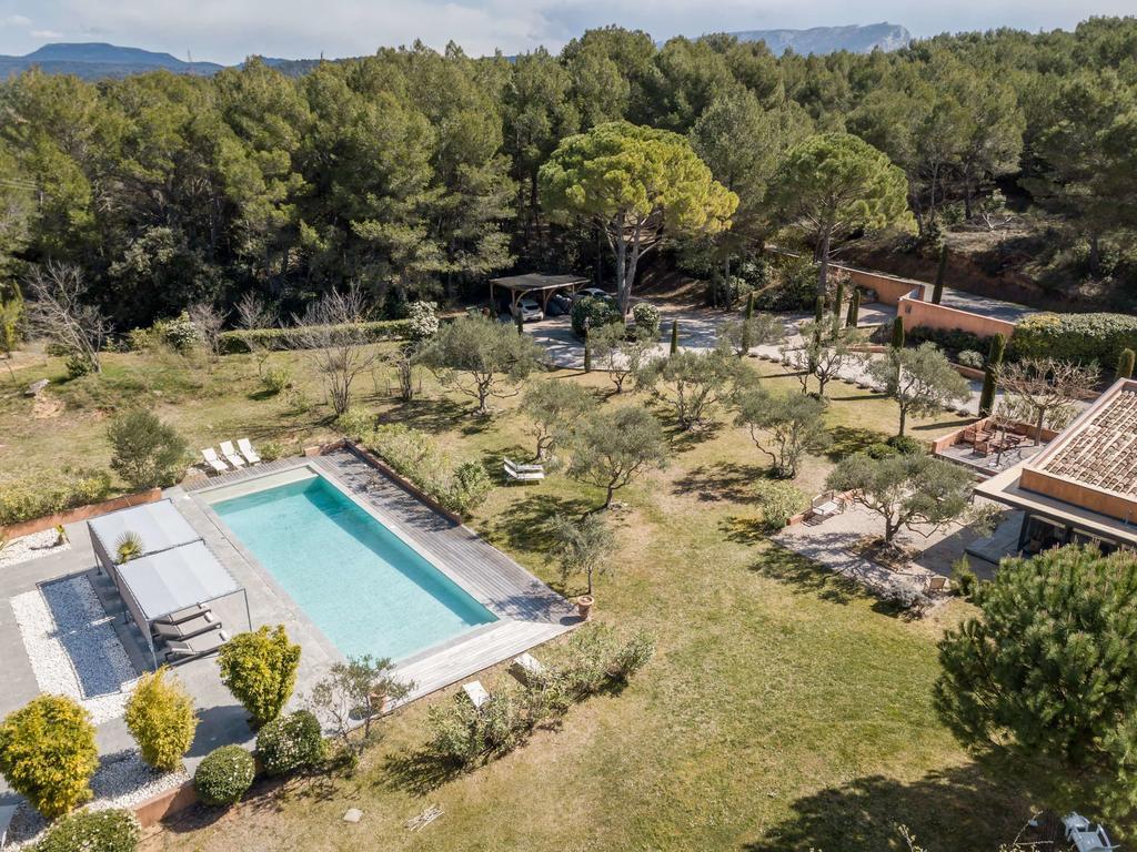 Jolie Villa Avec Grande Piscine À 5Min D'aix En Provence ... destiné Piscine Aix Les Milles