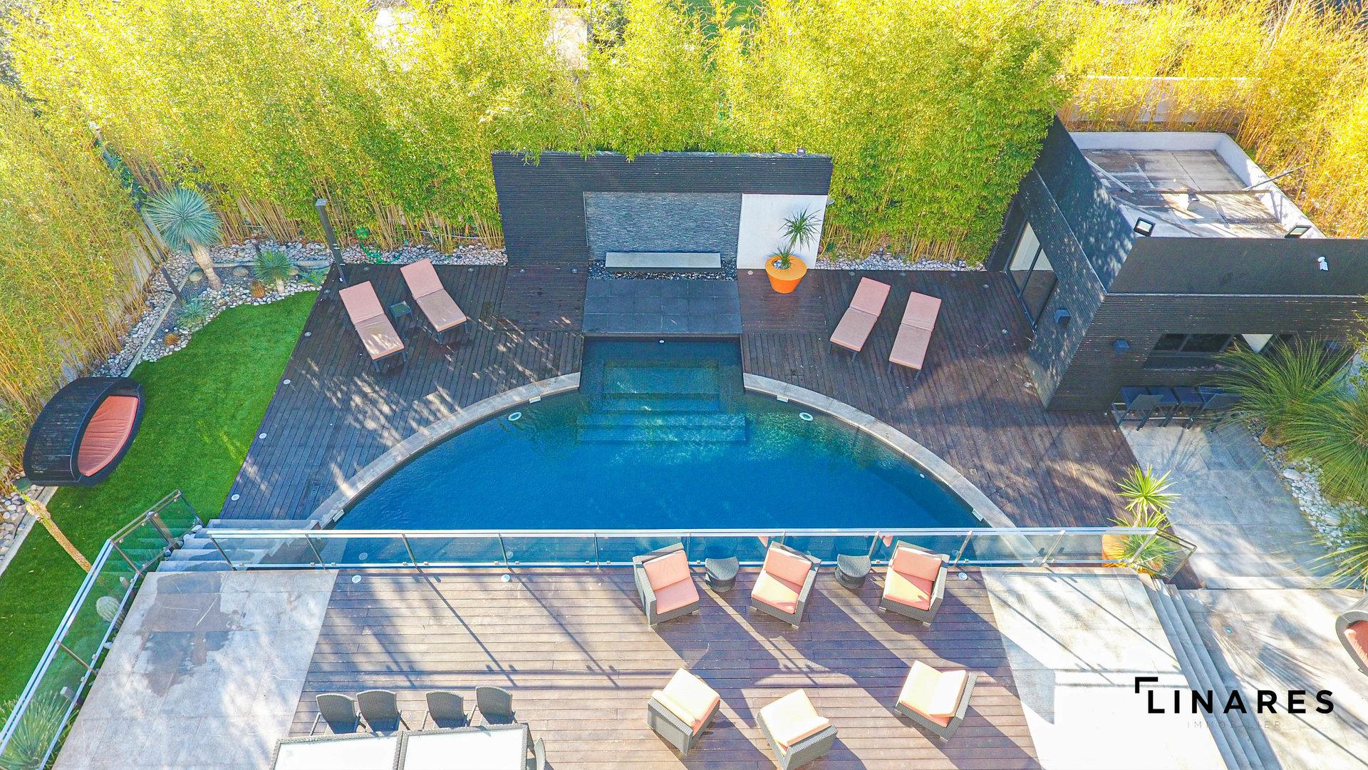 Jungle En Ville - Maison Ultra Moderne De 430 M2 Avec 1010 ... serapportantà Piscine Breteuil